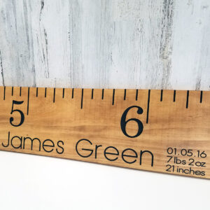 engraved-growth-chart_wood-jg1